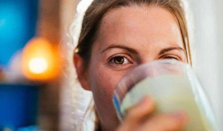 Caseína o Suero (Whey) : Que PROTEINA es mejor para la pérdida de grasa a largo plazo?